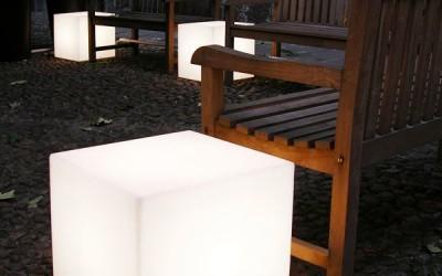 slide-prodotti-cubo-out-floor-lamp-3
