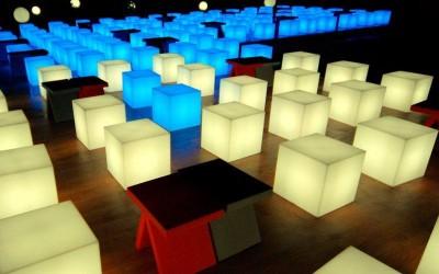 slide-prodotti-cubo-out-floor-lamp-4